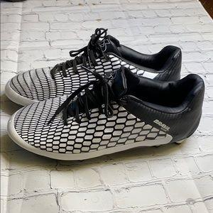 Men's brava soccer cleats size 11.5
